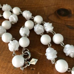Vintage White Round & Rose Carved Bead Necklace
